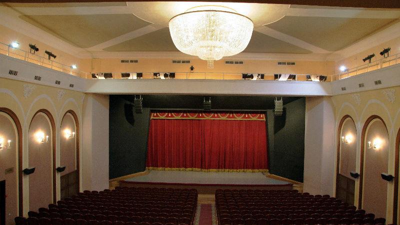 Оренбургским театралам на радость