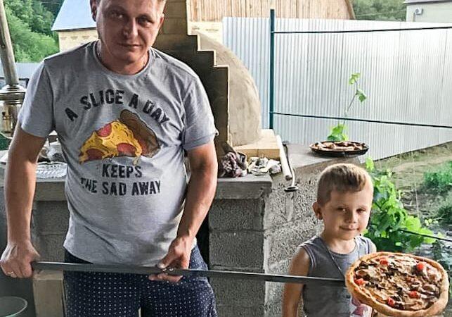 Хочешь, есть калачи — не сиди на печи