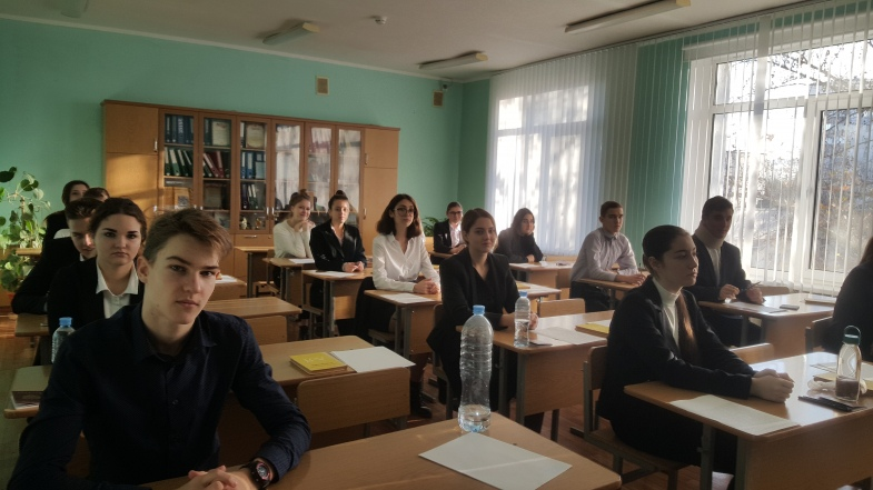 Сочинение старшеклассников в школах РФ могут перенести