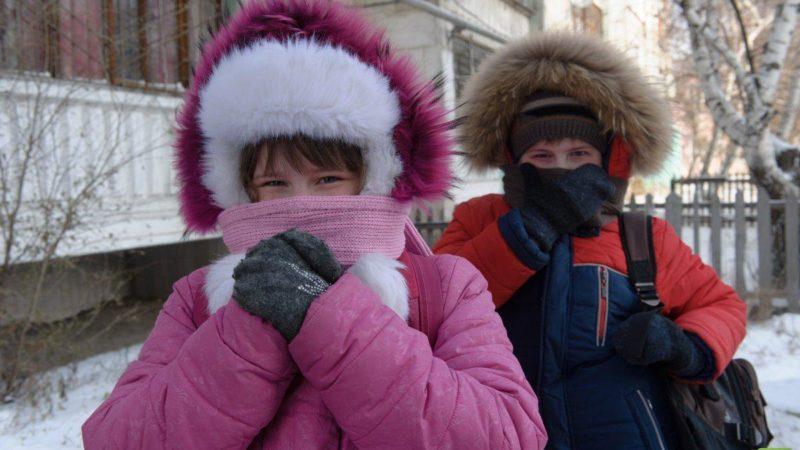 В связи с похолоданием возможна отмена занятий в школах
