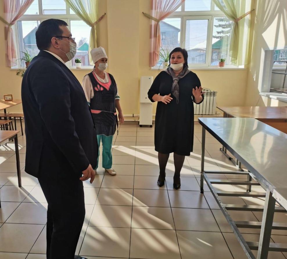 В школе города Сорочинска провели мониторинг качества питания