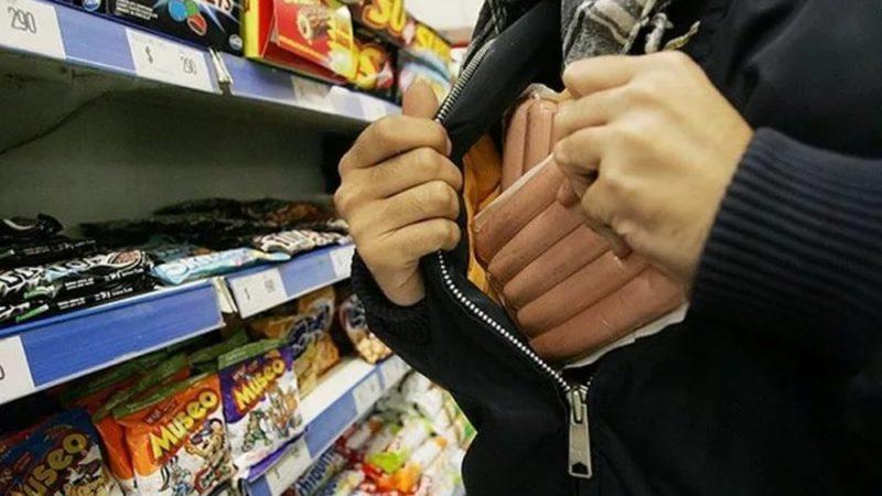 В Гамалеевке воры-рецидивисты ограбили магазин