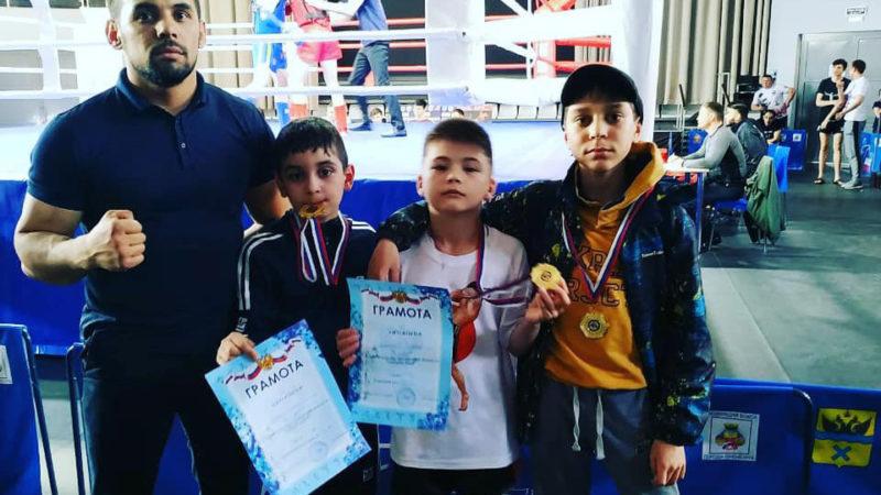 Комплект медалей в тайском боксе привезли юные спортсмены