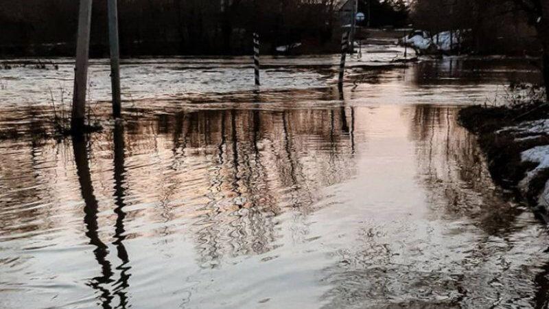 Денис Паслер лично проконтролировал работу по предотвращению негативных последствий паводка