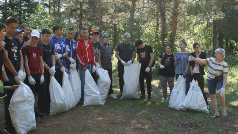 Студенты очистили берега