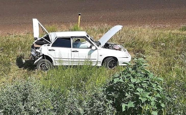 Нетрезвого водителя зажало в автомобиле