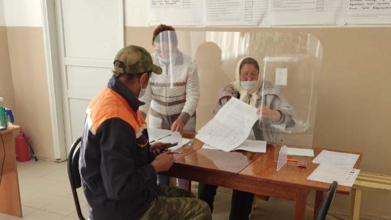Село голосует