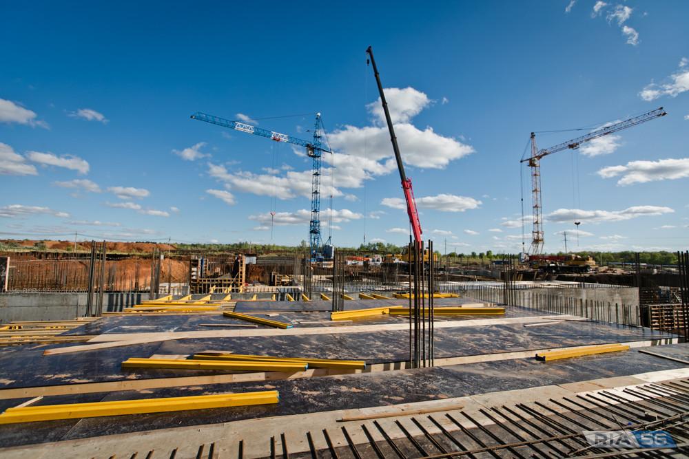 К зиме 2021 года строители практически завершат возведение корпусов Оренбургской областной детской клинической больницы